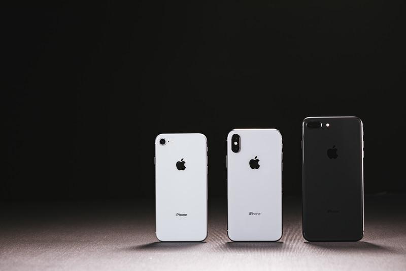 挿絵-iPhone8とiPhoneX