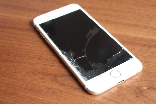 iPhone 割れ