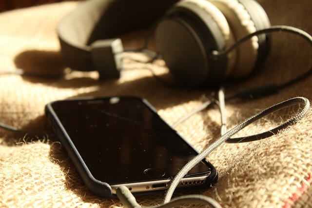 iPhone 枕元